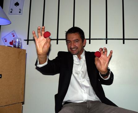 CLOSE UP AU QG , Magicien Magic-Francky à MONTAUBAN